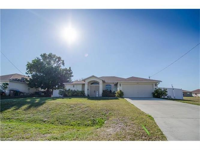 3042 NW 3rd PL, Cape Coral, FL 33993