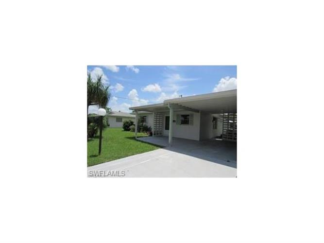 2320 Jacaranda CT, Lehigh Acres, FL 33936