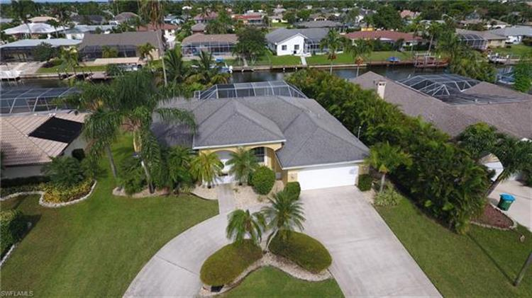 3711 SE 16th PL, Cape Coral, FL 33904