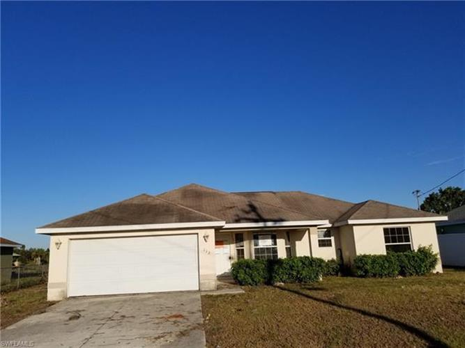 112 North AVE, Lehigh Acres, FL 33936