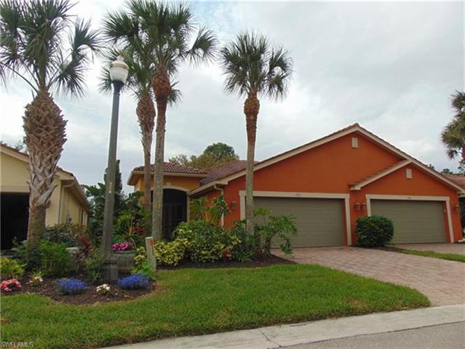 9279 Aegean CIR, Lehigh Acres, FL 33936