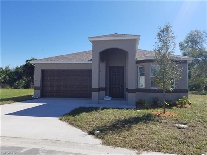 1046 Ford CT, Immokalee, FL 34142