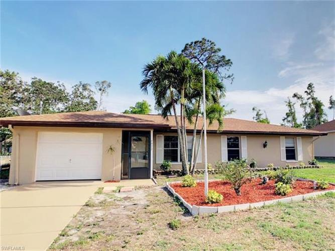 9072 Pineapple RD, Fort Myers, FL 33967