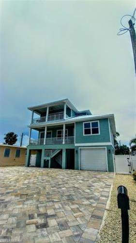 261 Delmar AVE, Fort Myers Beach, FL 33931