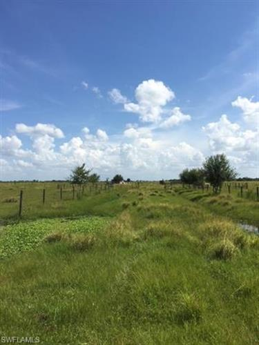 3rd RD, Labelle, FL 33935 - Image 1