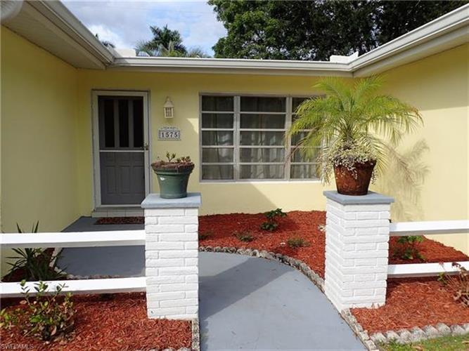 1575 Passaic AVE, Fort Myers, FL 33901