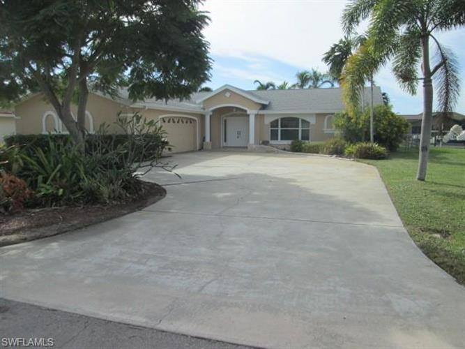 5346 Colony CT, Cape Coral, FL 33904