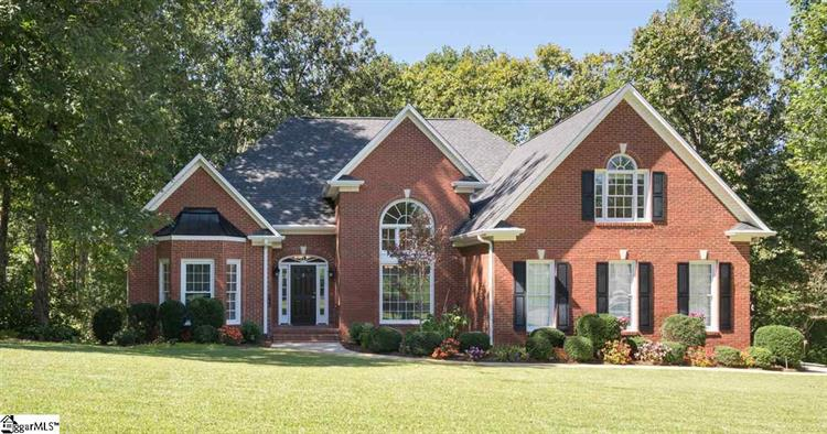 2 Claymore Court, Greer, SC 29650
