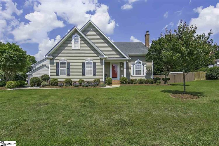209 Crossvine Way, Simpsonville, SC 29680
