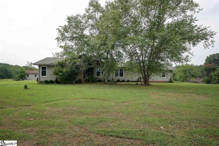 168 hunter Road, Woodruff, SC 29388