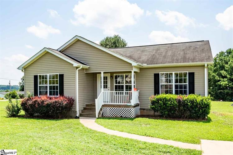 100 Woodcliff Drive, Wellford, SC 29385