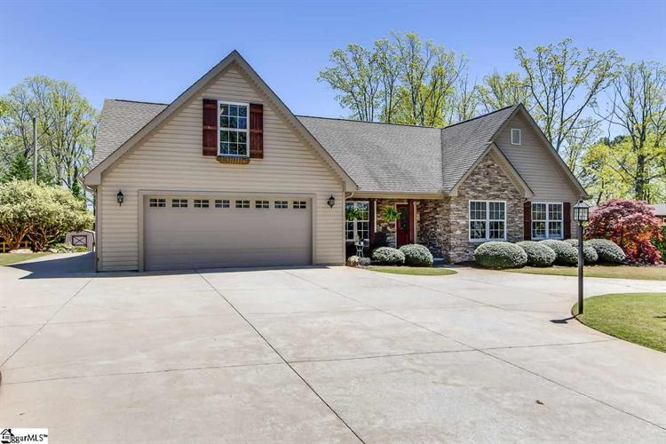 114 Blue Ridge Drive, Greer, SC 26951