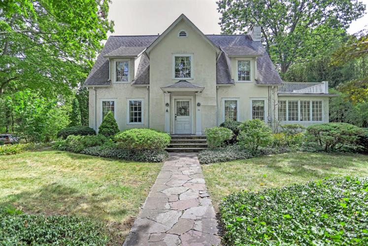 76 Shore Road, Old Greenwich, CT 06870 - Image 1