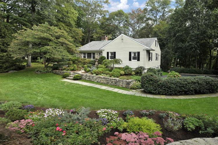 7 Cottontail Road, Cos Cob, CT 06807