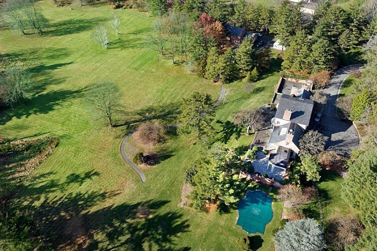 188 Round Hill Road, Greenwich, CT 06831 - Image 1