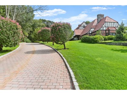 12 Dwight Lane Greenwich, CT MLS# 111196