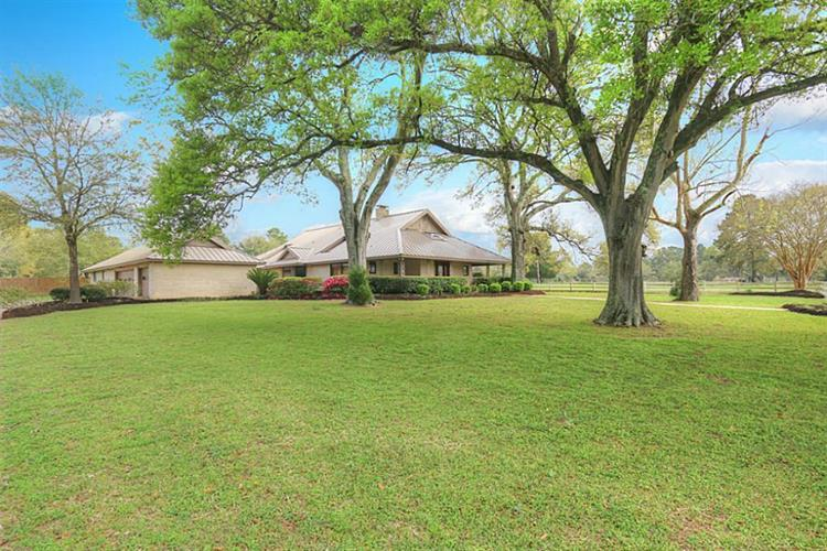 16135 Lutheran School Road, Tomball, TX 77377