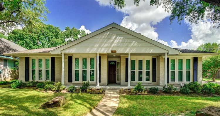 10902 Chevy Chase Drive, Houston, TX 77042