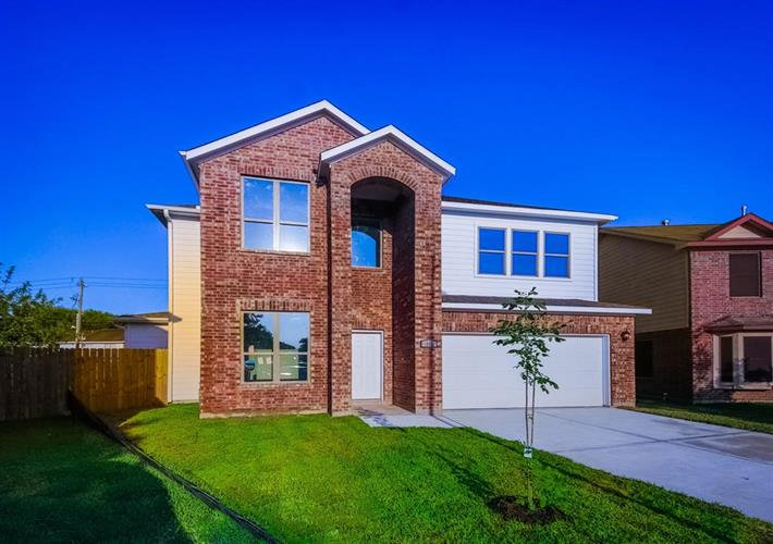 7402 Willowcraft Drive, Houston, TX 77489