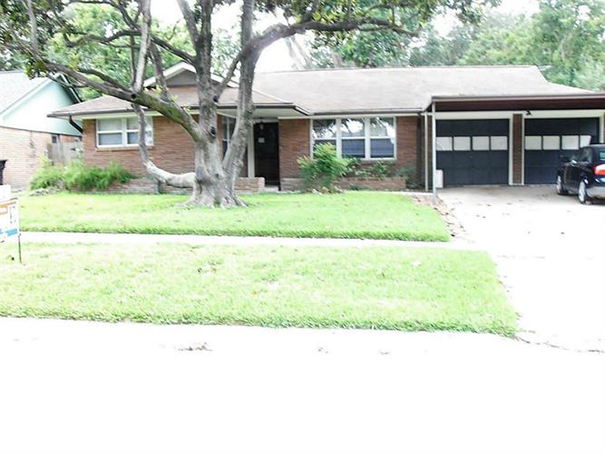 5007 Saxon Drive, Houston, TX 77092