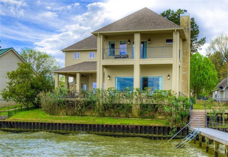 111 Harbour Point Circle, Coldspring, TX 77331