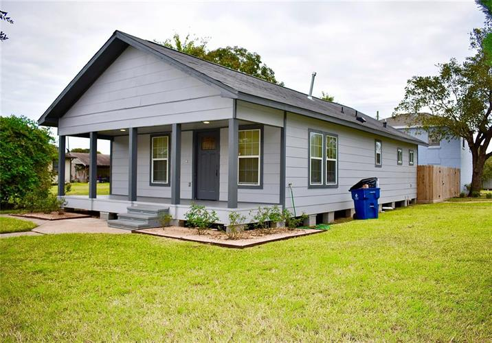 429 W 2nd Street, Freeport, TX 77541 - Image 1