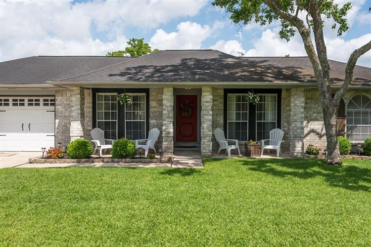 1105 W Castlewood Avenue, Friendswood, TX 77546 - Image 1
