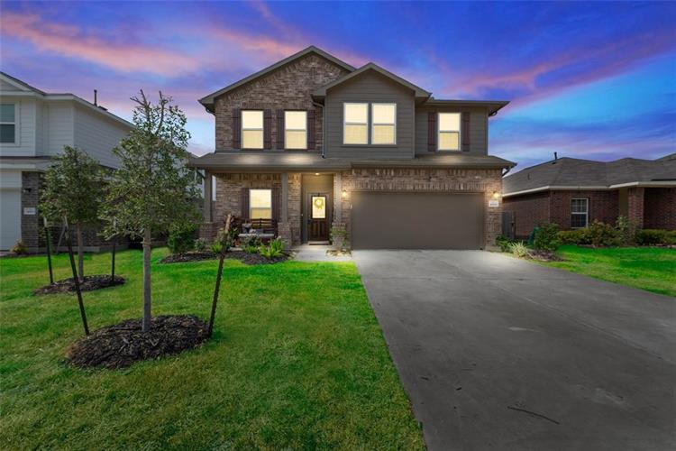 4819 Seaside Sparrow Lane, Baytown, TX 77521