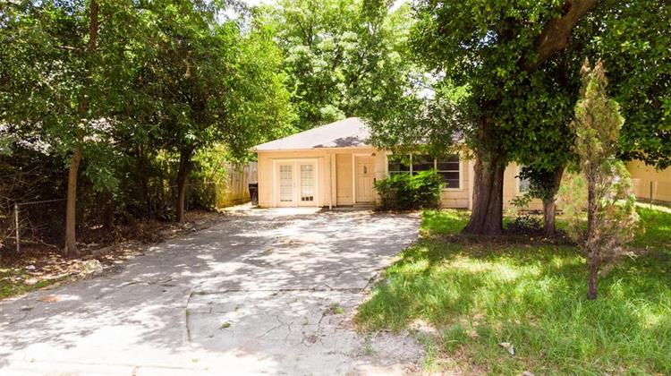 7410 Raton Street, Houston, TX 77055 - Image 1