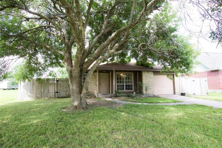 2910 Arkansas Avenue, Dickinson, TX 77539