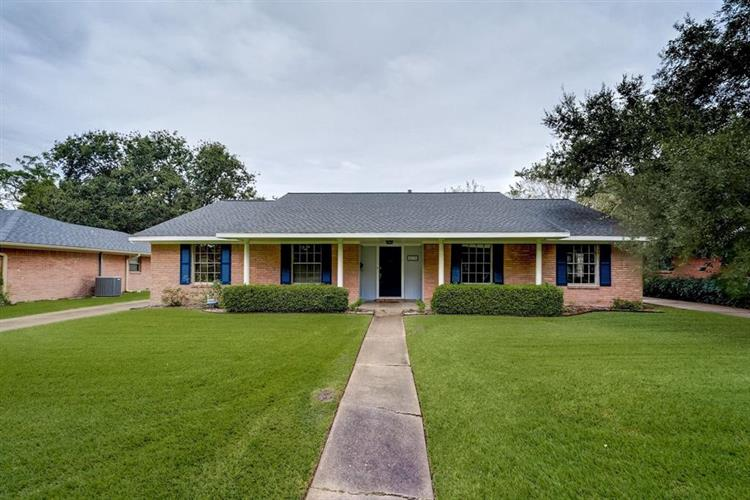 5230 Starkridge Drive, Houston, TX 77035 - Image 1