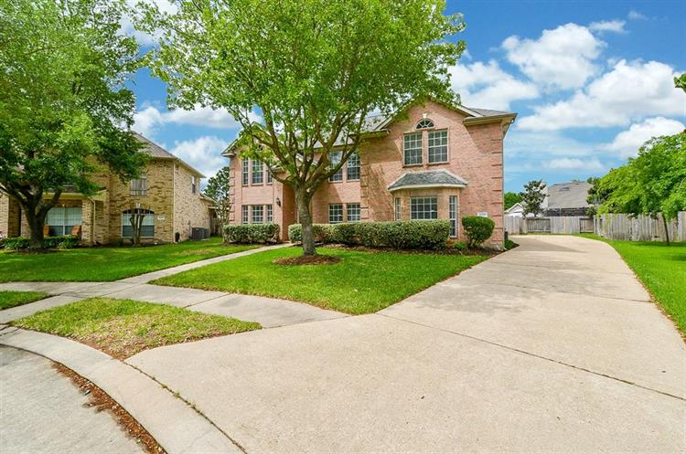 11203 Silver Rush Drive, Houston, TX 77095
