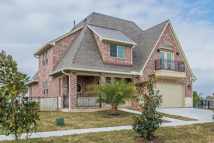 317 Twin Timbers, League City, TX 77565