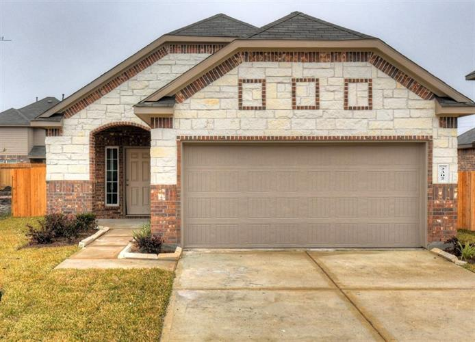 2302 Spring Hollow Drive, Baytown, TX 77521