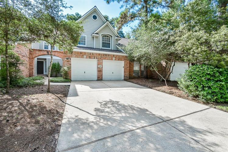 111 S Spiral Vine Circle, The Woodlands, TX 77381