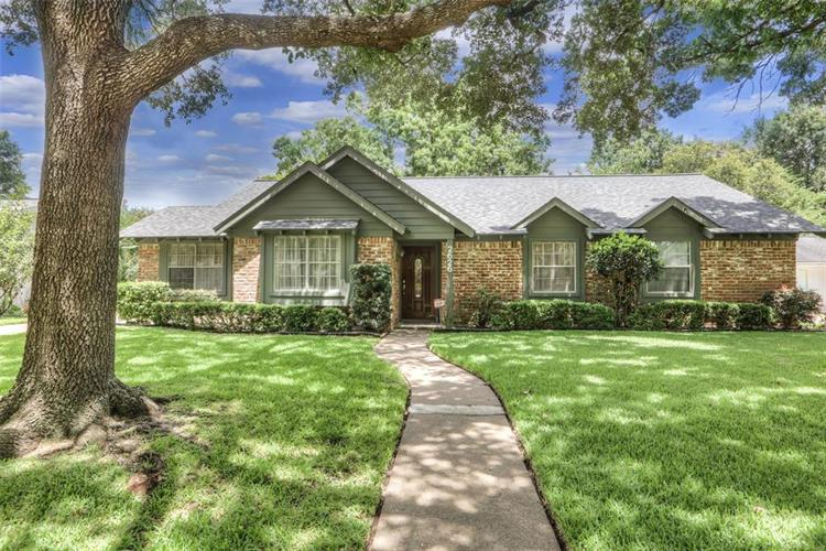 2626 Rosefield Drive, Houston, TX 77080