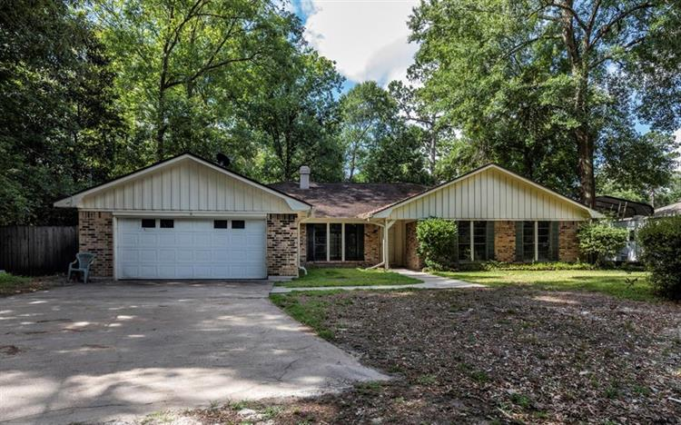 108 Oak Creek Lane, Lumberton, TX 77657
