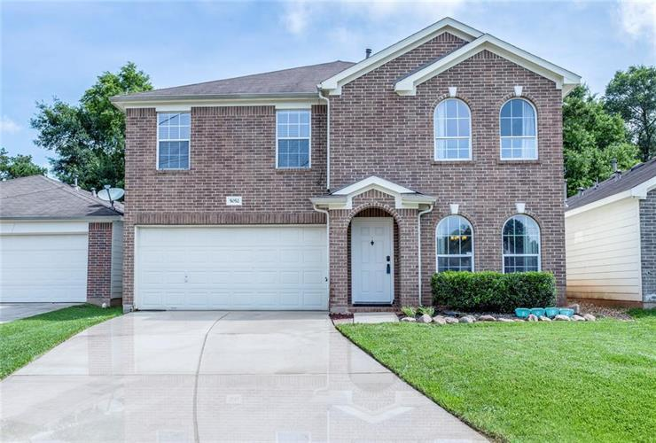 5052 Willow Point Drive, Conroe, TX 77303 - Image 1