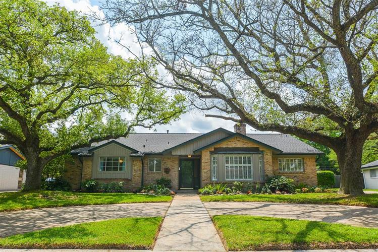 7715 Clarewood Drive, Houston, TX 77036