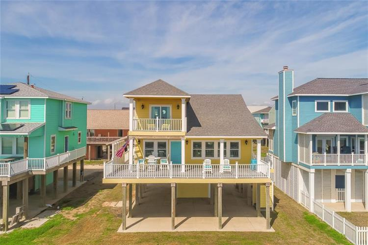 103 Mar Vista Court Court, Surfside Beach, TX 77541