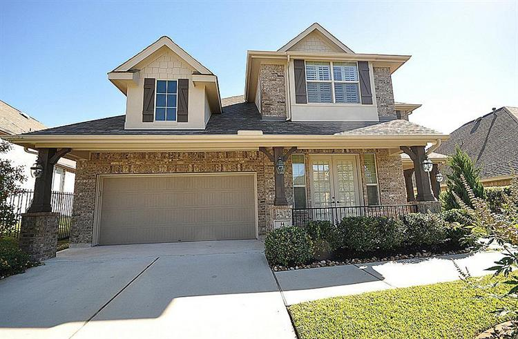 14 Winhall Place, The Woodlands, TX 77354