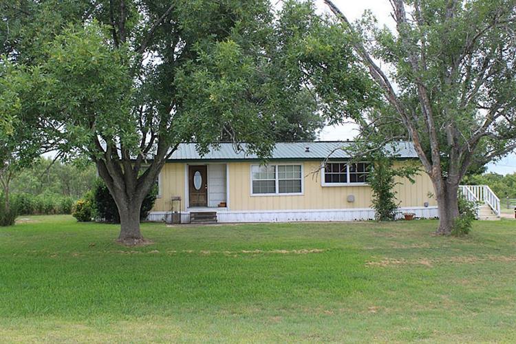 Flatonia Property For Sale