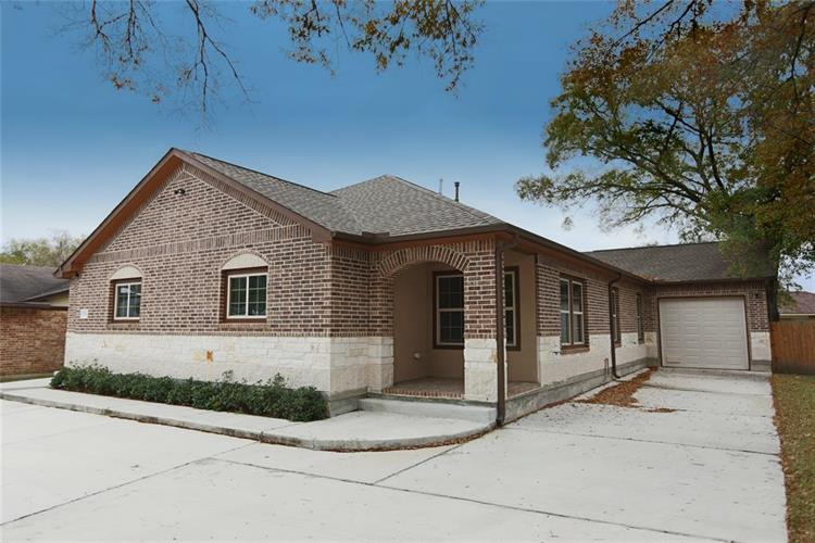 11502 Quincewood Drive, Houston, TX 77089 - Image 1