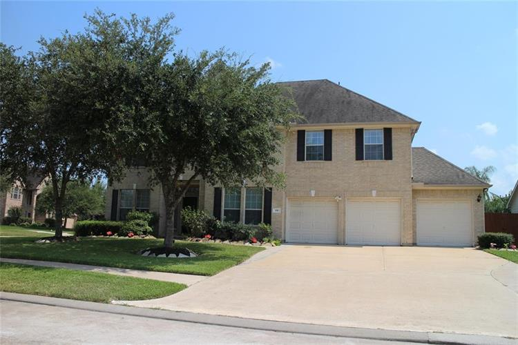 151 Cypress Pointe Drive, League City, TX 77573