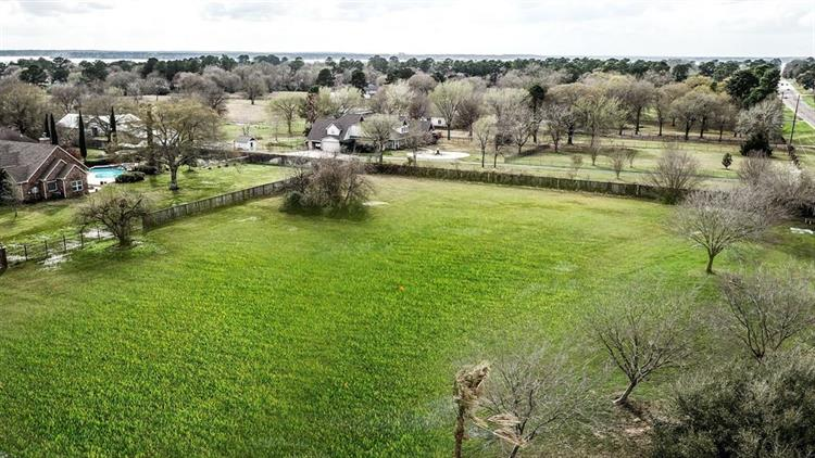 11473 Outpost Cove Drive, Willis, TX 77318