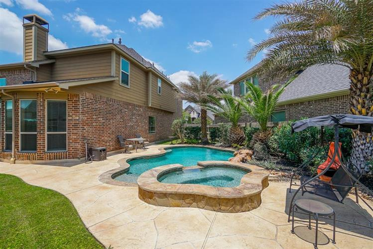 4407 Parkwater Cove Court, Sugar Land, TX 77479