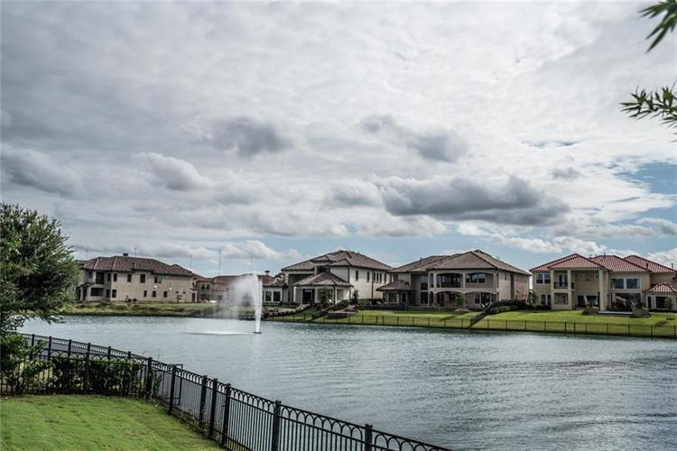 5051 Water View Bend, Sugar Land, TX 77479