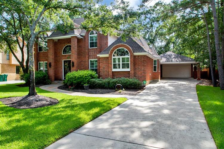 154 Golden Shadow Circle, The Woodlands, TX 77381