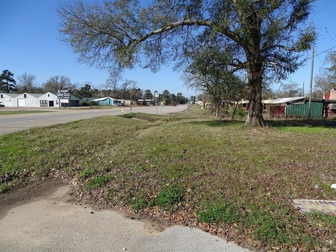 18491 Highway 105, Cleveland, TX 77328 - Image 1