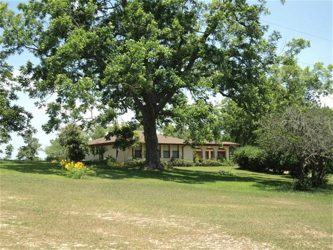 875 Hill Farm Road, Coldspring, TX 77331